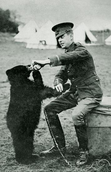 Winnie and Lieutenant Harry Colebourn
